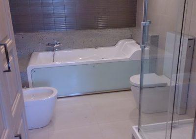 Installatie nieuwe badkamer